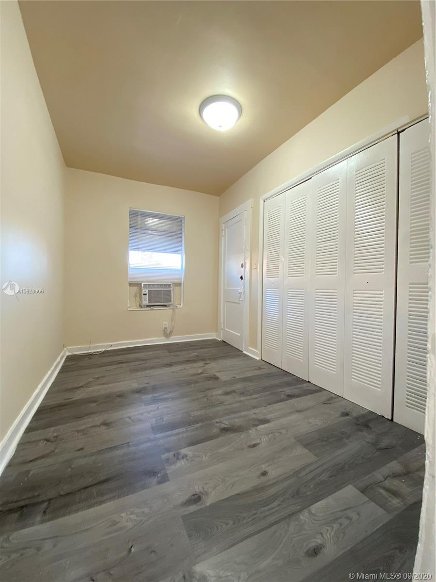 1011 SW 5th St #2 For Sale A10928906, FL