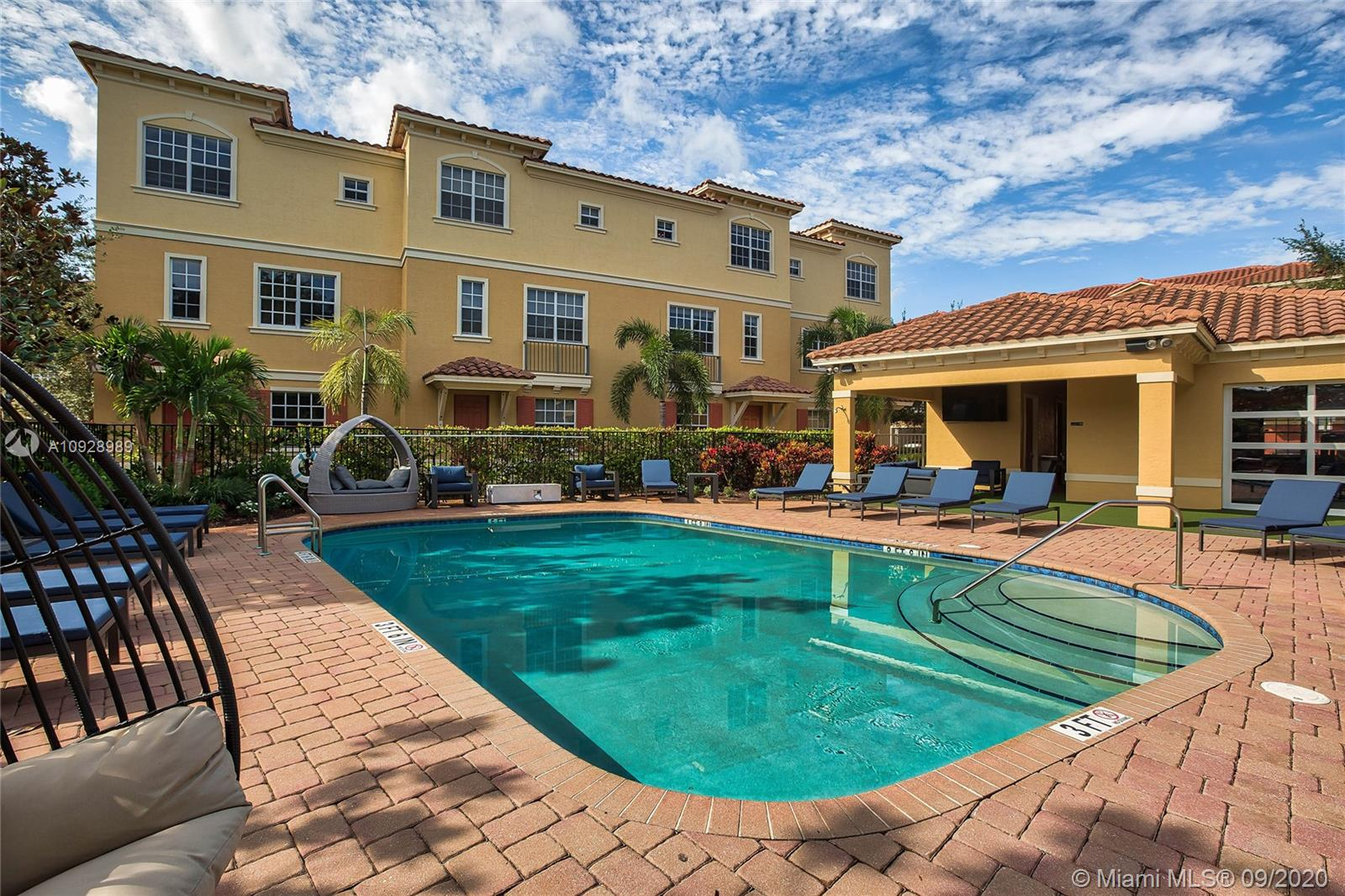 2190 NW 4TH CT #52 For Sale A10928989, FL