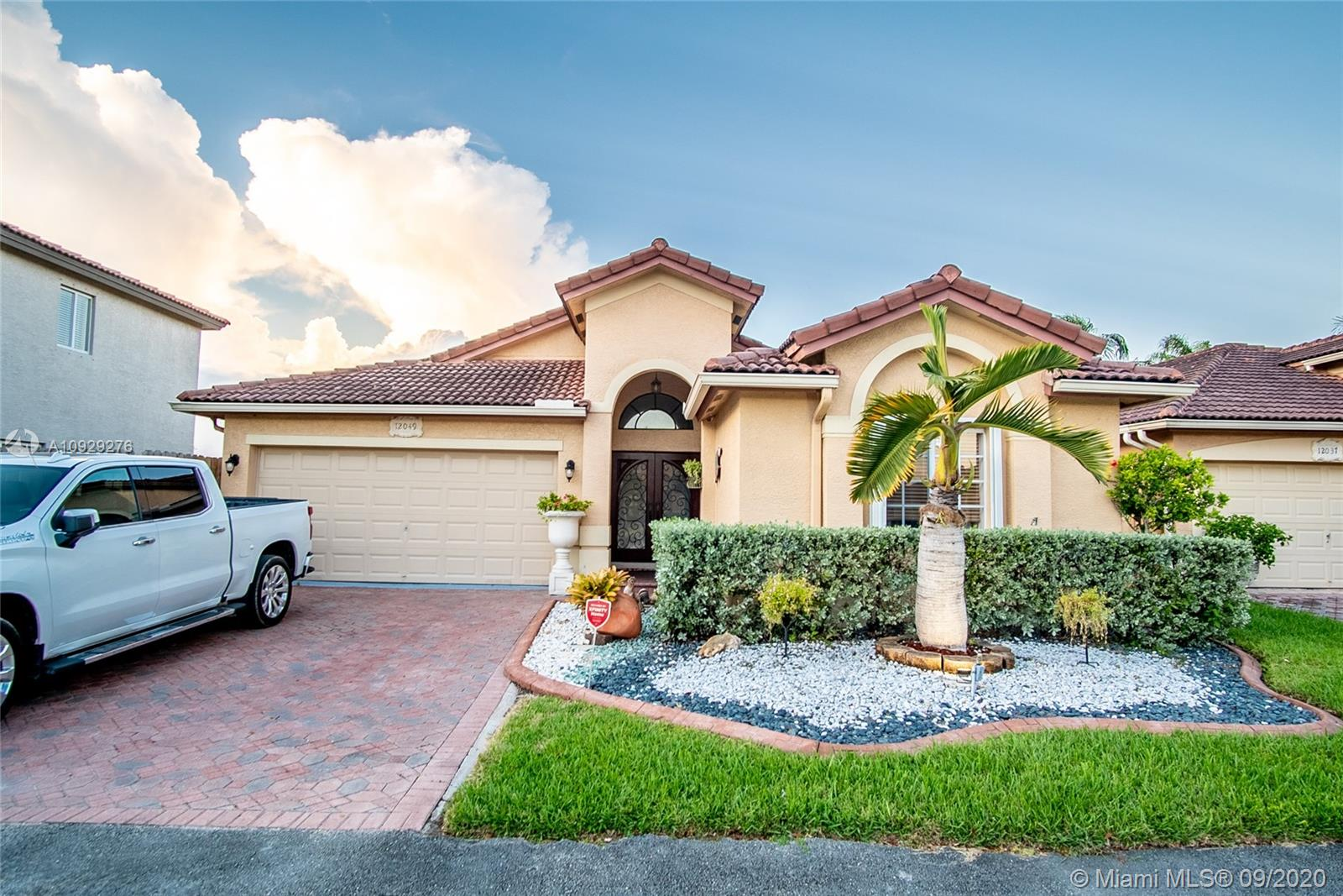 12049 SW 135th Ter  For Sale A10929276, FL