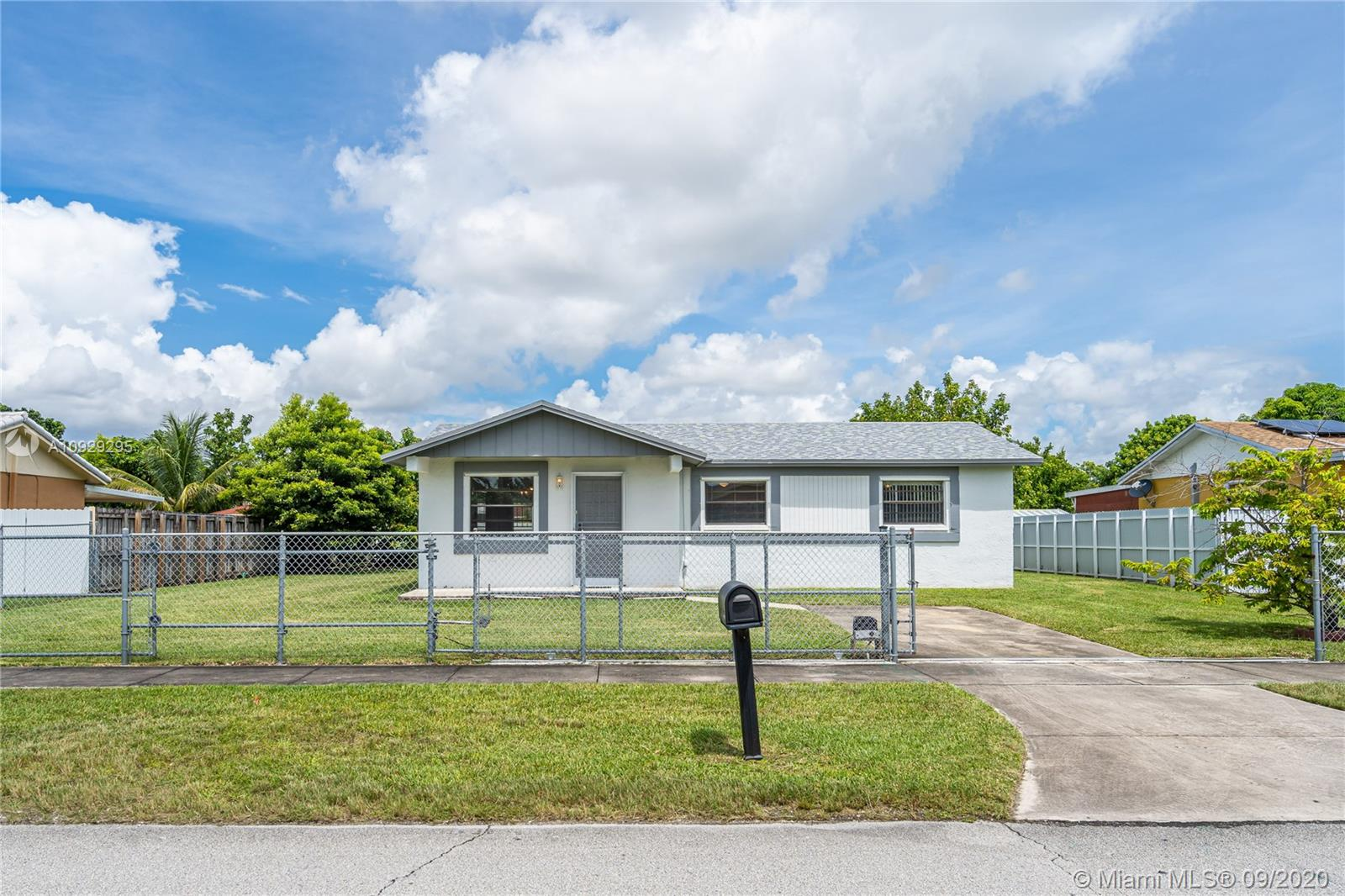 12285 SW 187th Ter  For Sale A10929295, FL