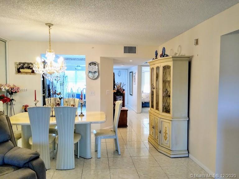 550 SW 137th Ave #304L For Sale A10929328, FL