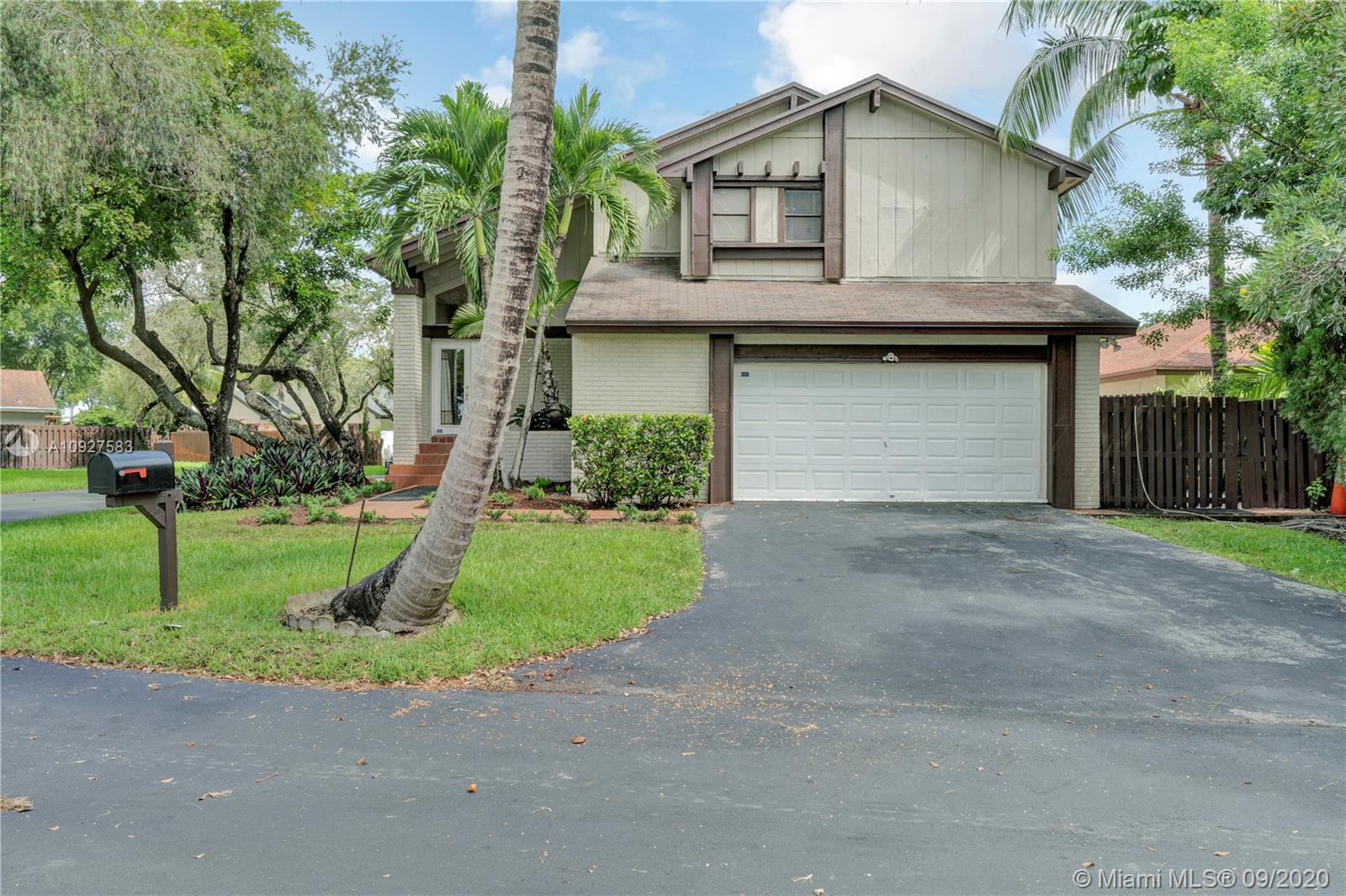 5201 SW 153rd Pl N  For Sale A10927583, FL