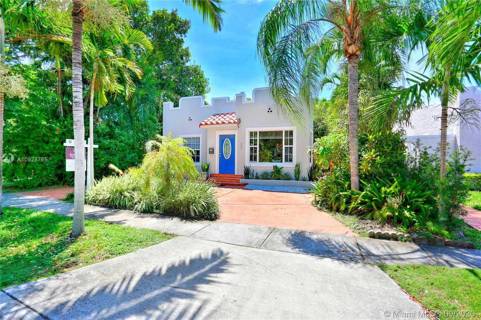 452 SW 26 Rd  For Sale A10928765, FL