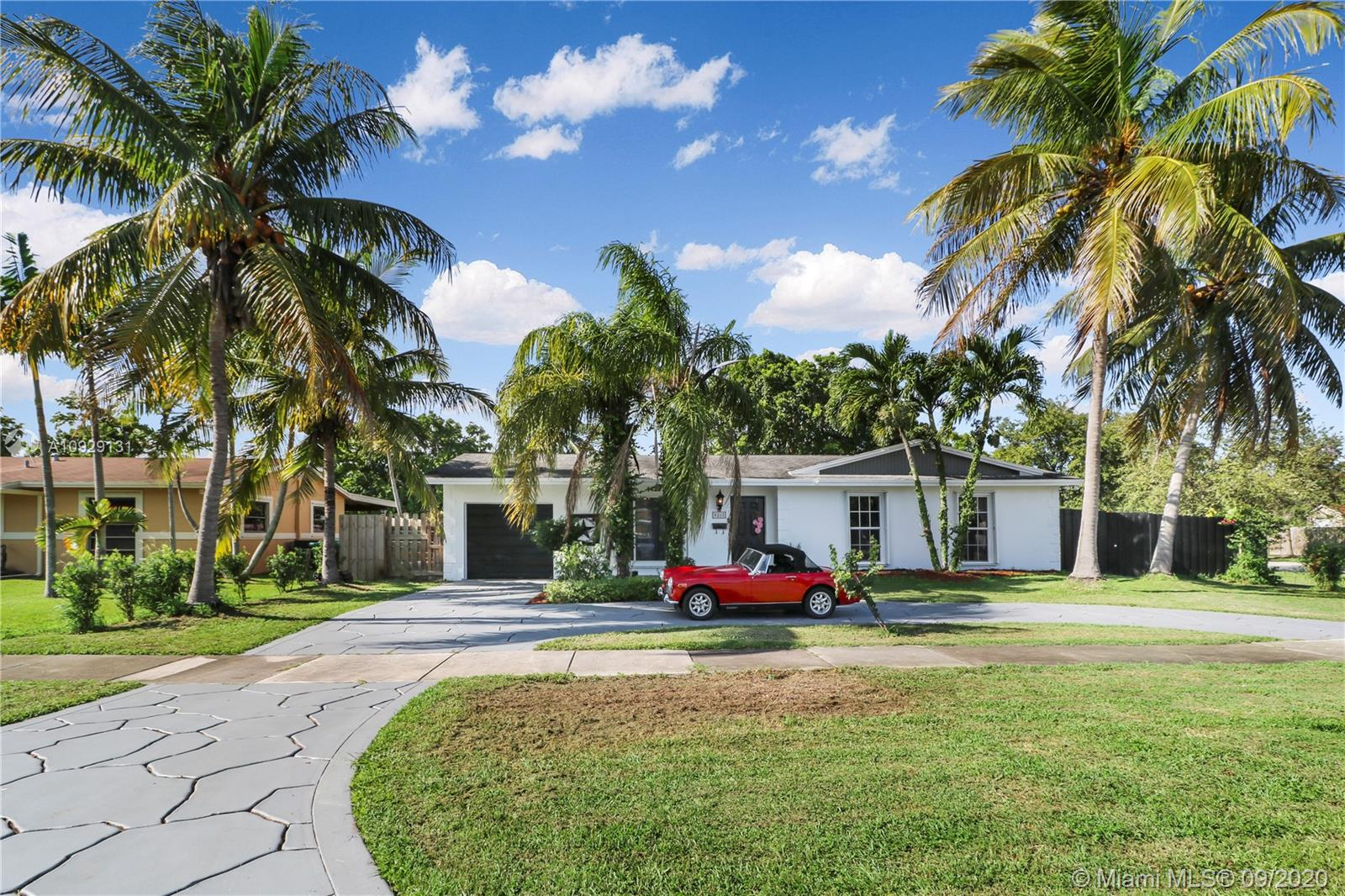 9203 SW 182nd St  For Sale A10929131, FL