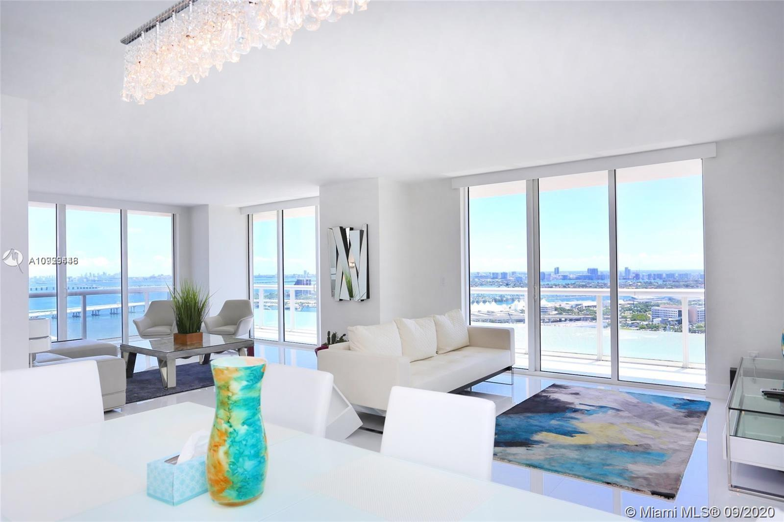 Enjoy the direct ocean and open bay views from this completely remodeled downtown unit. Walking distance to Arena, Bayside shops, Brickell City Center. 