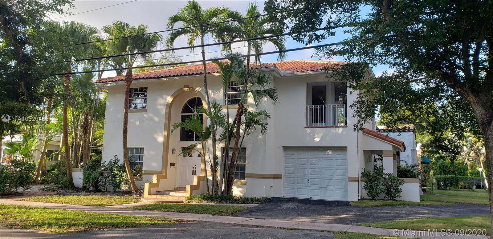 1245  Venetia Ave  For Sale A10929468, FL