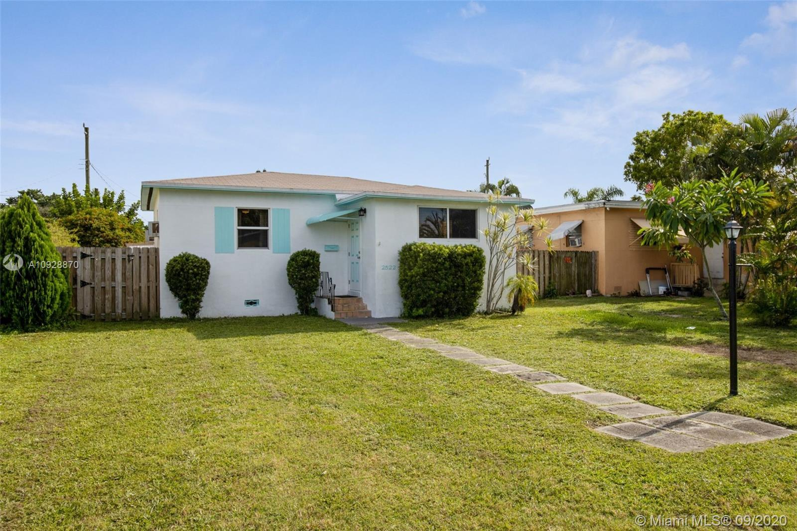 2522  Wilson St  For Sale A10928870, FL