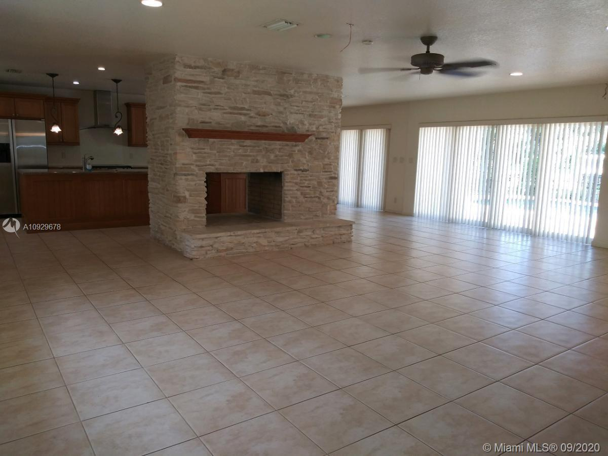 18299 SW 68th Ct  For Sale A10929678, FL