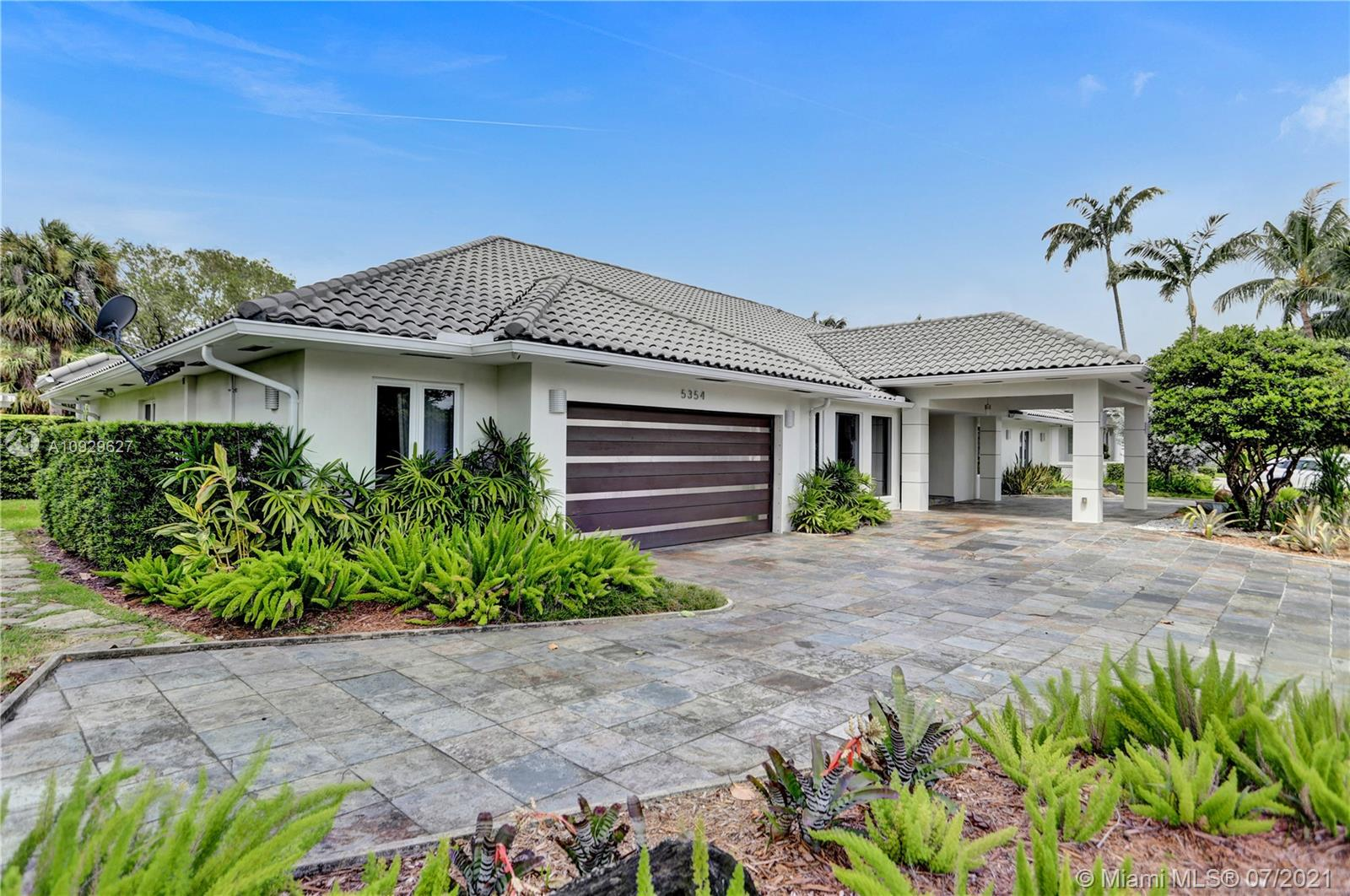 5354 NW 94th Doral Pl  For Sale A10929627, FL