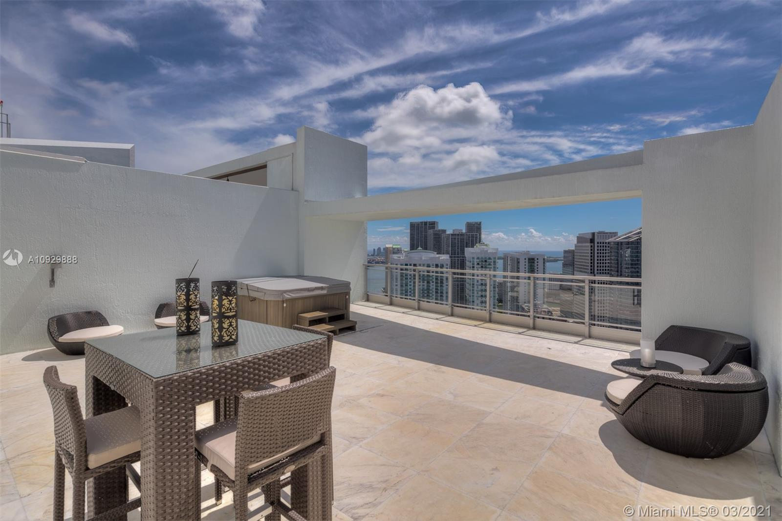 90 SW 3rd St #PH-14 For Sale A10929888, FL