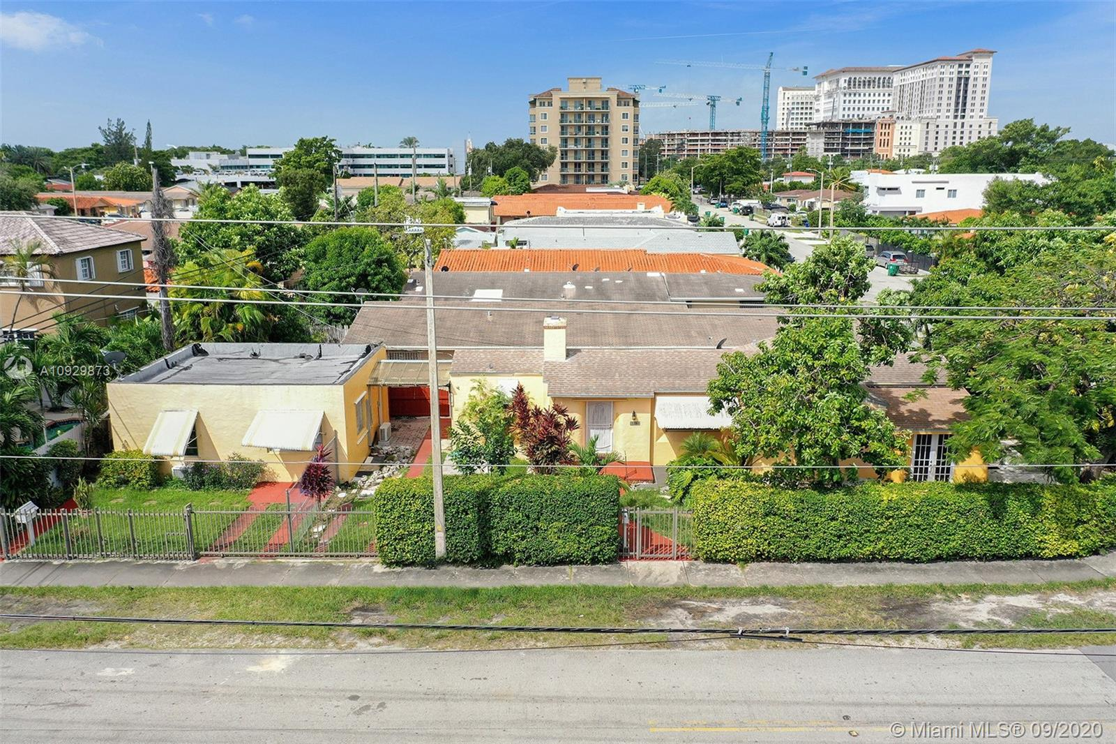 2504 SW 36th Ave  For Sale A10929873, FL