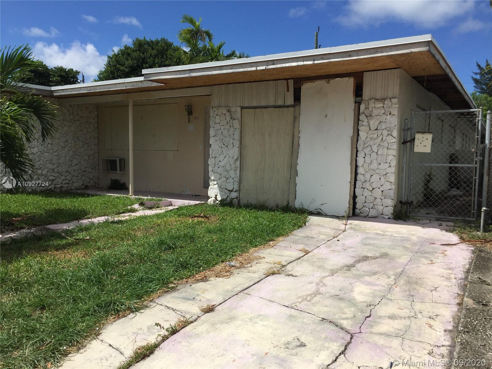 911  79th Ter  For Sale A10927724, FL