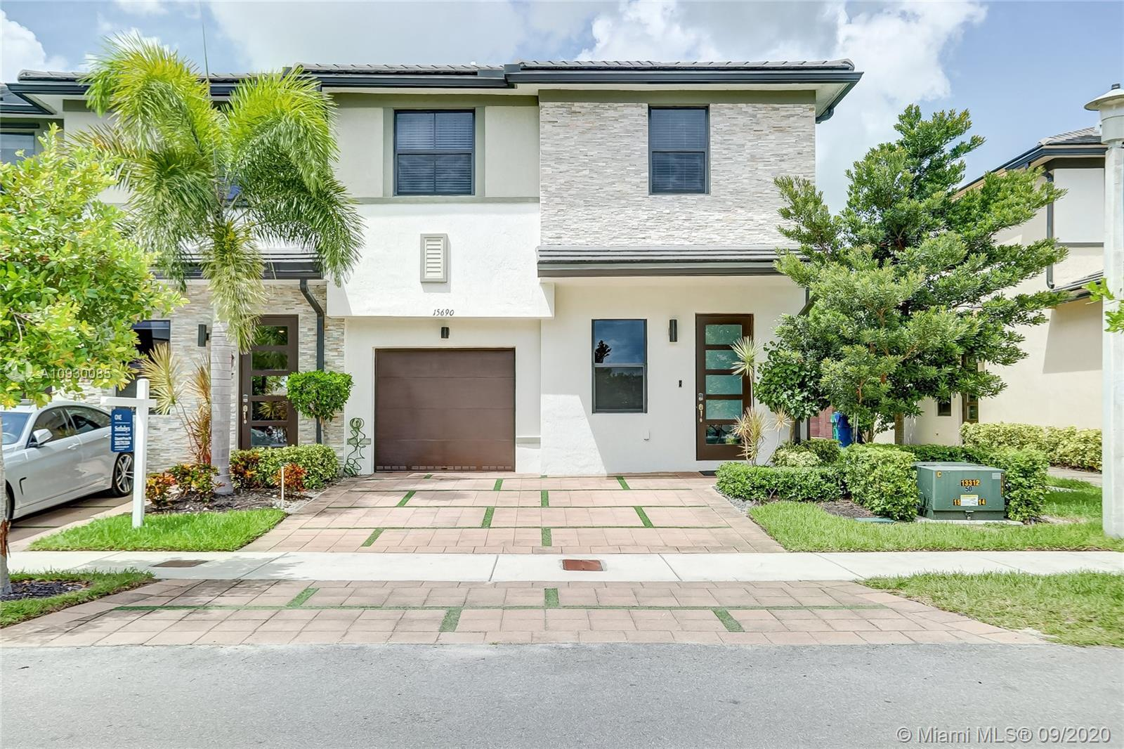15690 NW 91st Ct #15690 For Sale A10930085, FL