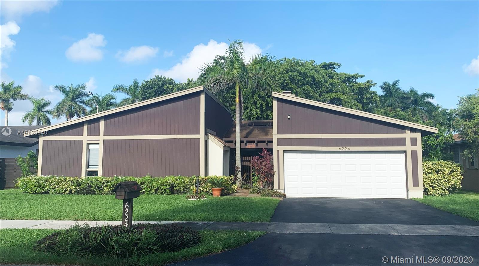 6224 SW 146th Ct  For Sale A10928540, FL