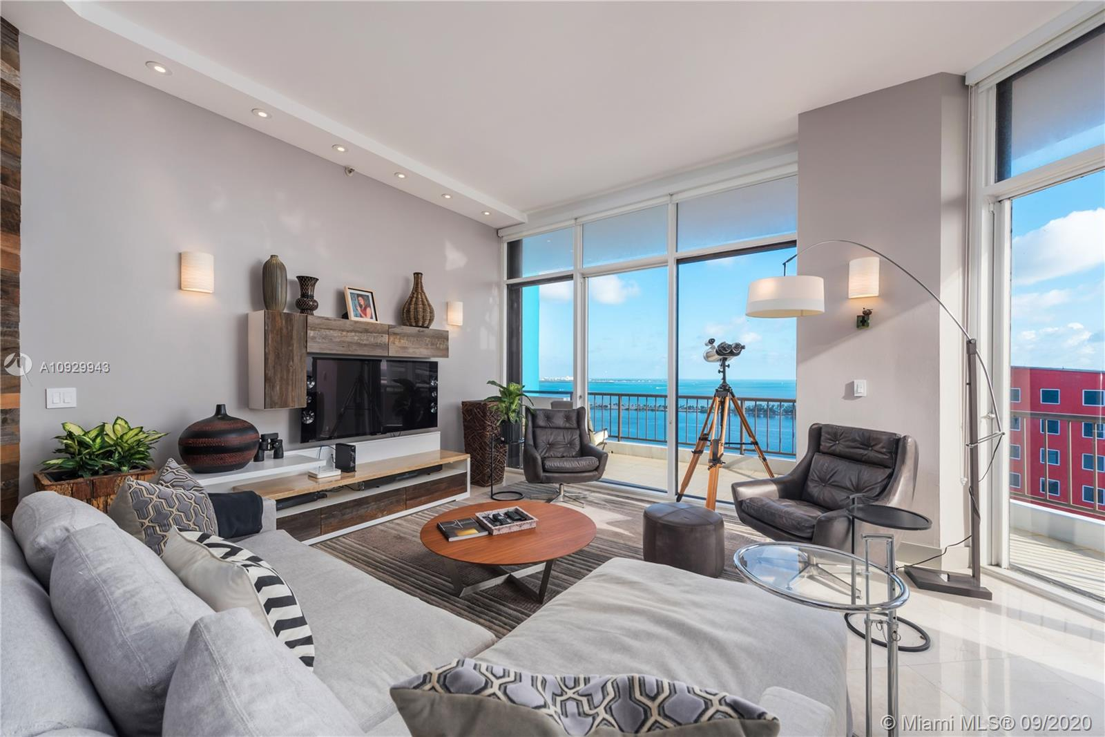 1581  Brickell Ave #T105 For Sale A10929943, FL
