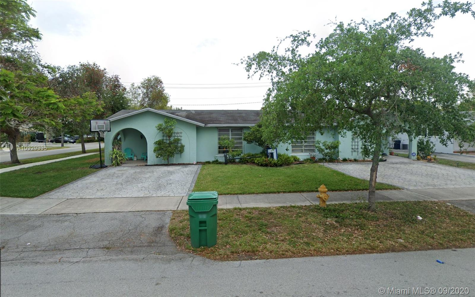 11690 SW 81st Rd  For Sale A10929395, FL