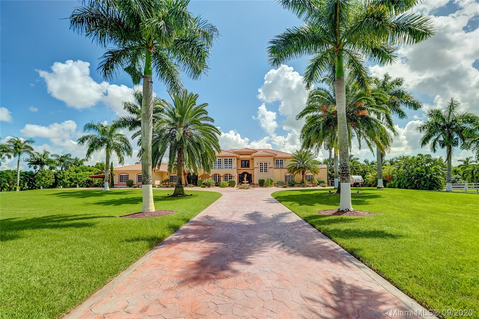 5700 SW 198th Ter  For Sale A10930112, FL