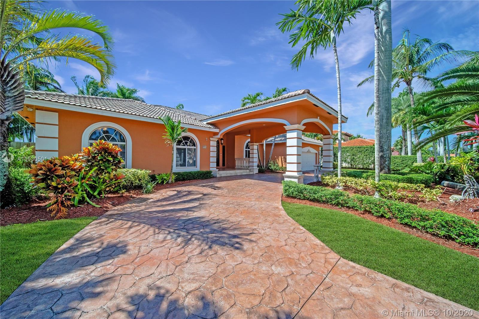 9820 SW 148th Ter  For Sale A10930501, FL