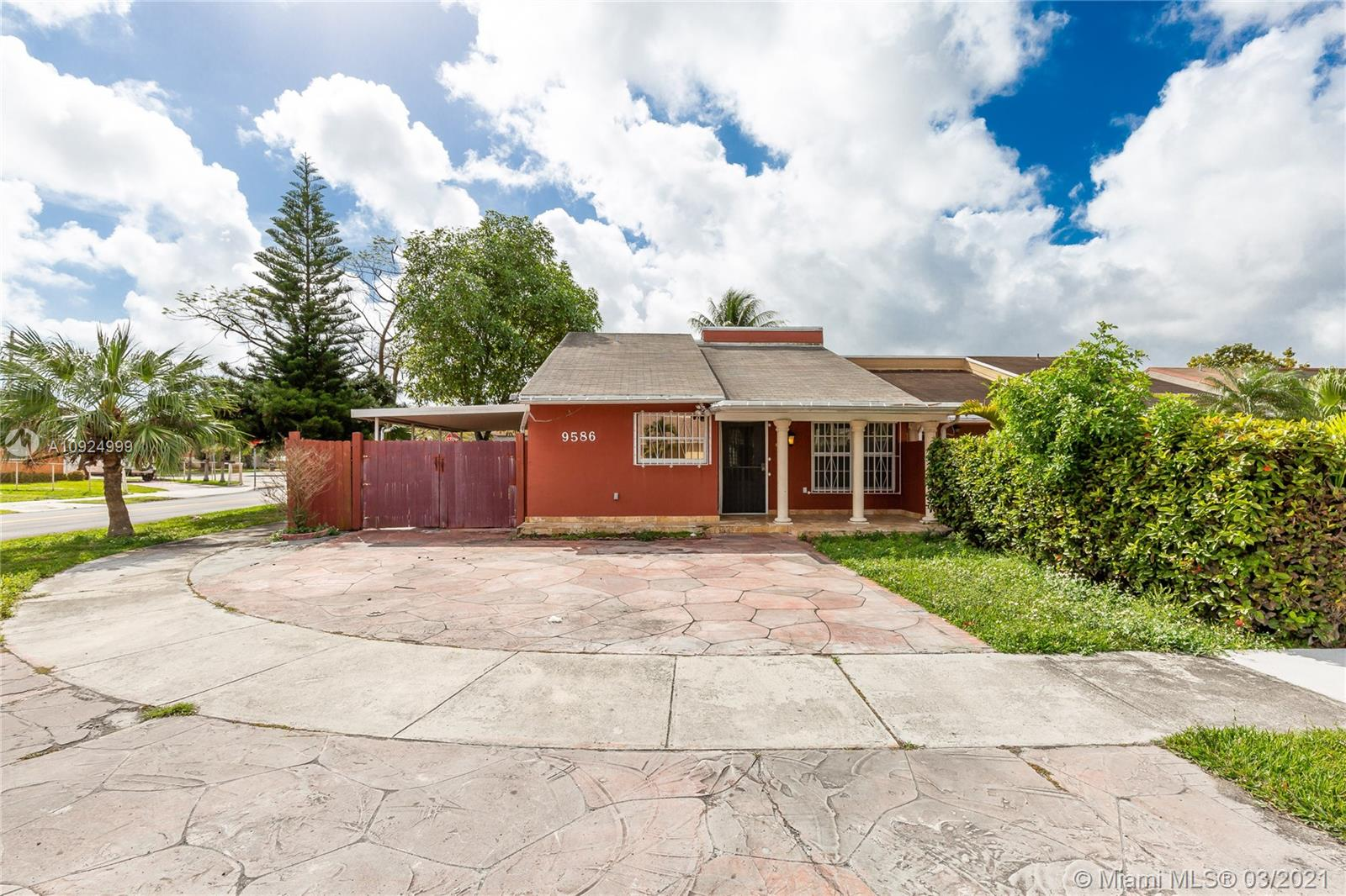 9586 SW 6th Ln #2 For Sale A10924999, FL