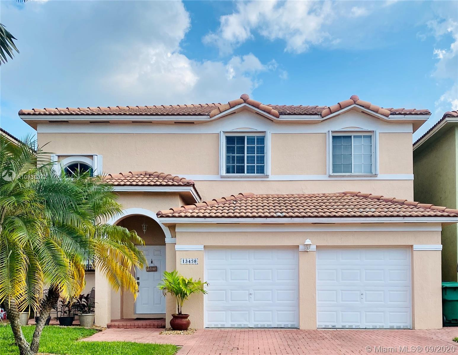 13458 SW 142nd Ter  For Sale A10930372, FL