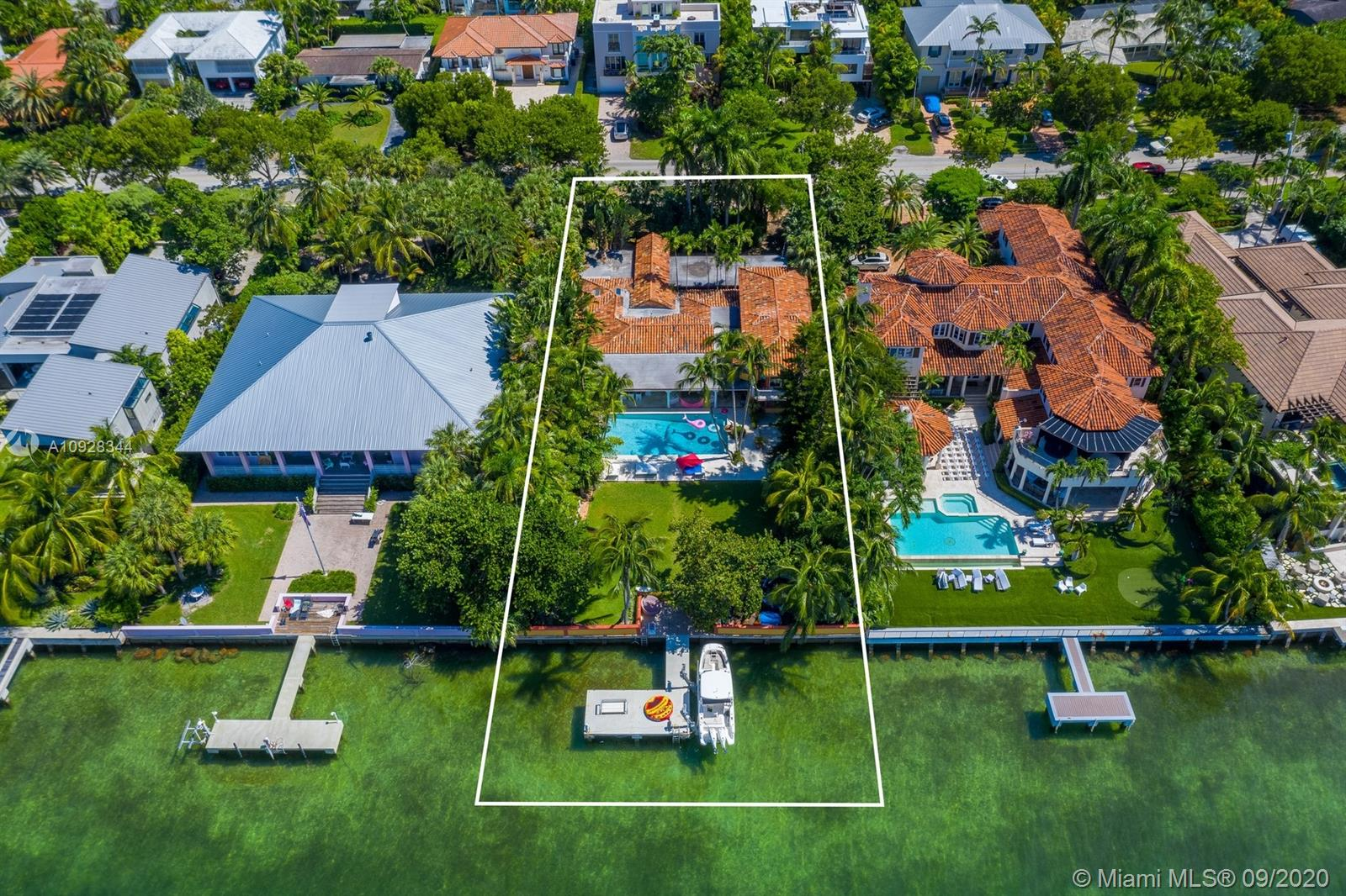 290  Harbor Dr  For Sale A10928344, FL