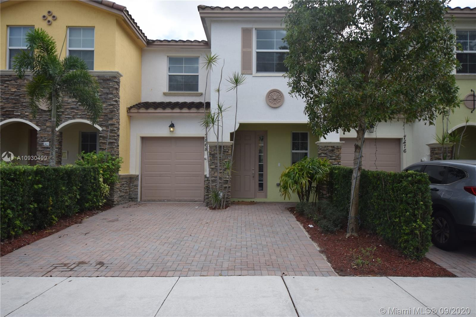 7774 SW 52nd Pl  For Sale A10930499, FL