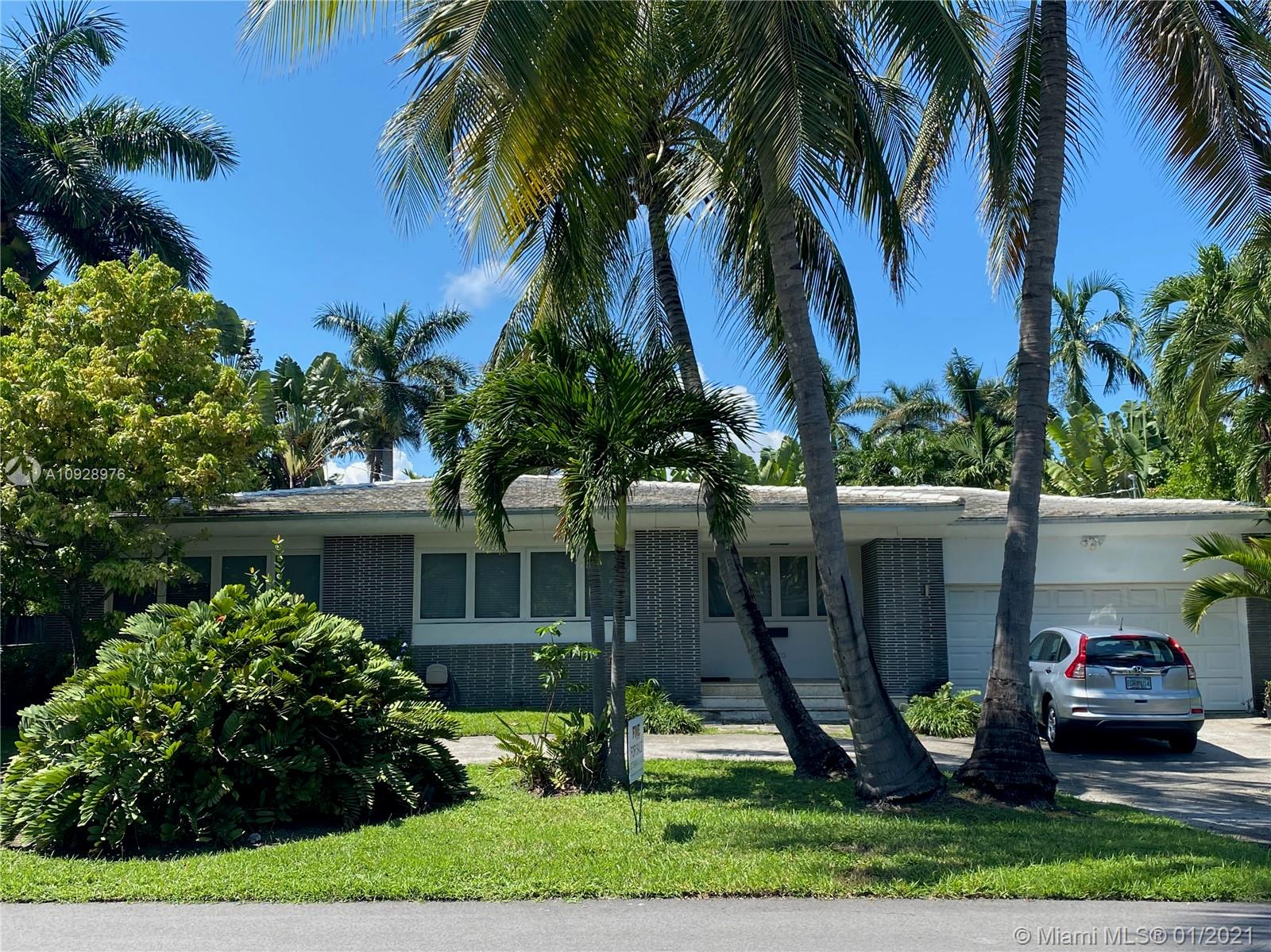 7720  Coquina Dr  For Sale A10928976, FL