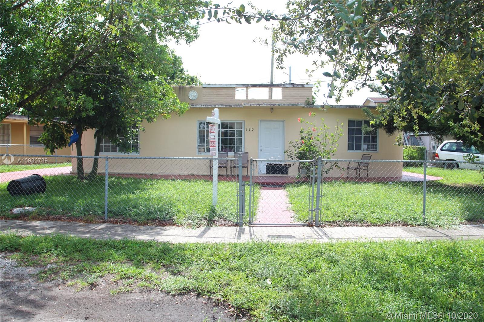 620 E 11th St  For Sale A10930739, FL