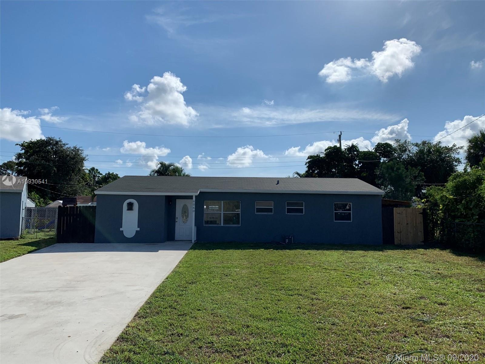 Rare pool home in Oakland Park! Brand new kitchen, quartz countertops and beautiful cabinets. Plenty of storage! Brand new AC System and Ductwork installed in July. Roof from September 2017. New electrical panels. Very close to i-95 along with school and shopping centers.. Roughly 15 minutes from the beach! Side door in kitchen to b e replaced or negotiated in contract.