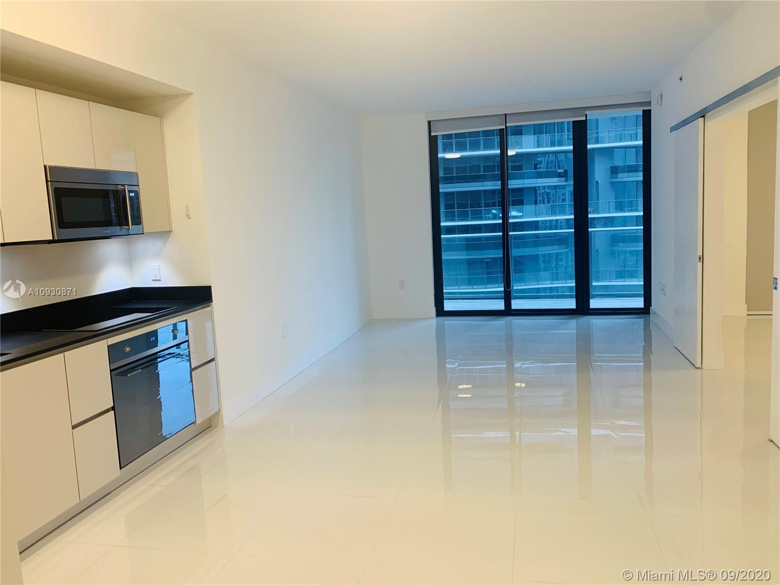 Amazing apartment in a luxury high-rise building that will provide the feeling of nature and a unique alternative to urban living, Location is fantastic, It's in the center of Brickell within distance of everything! Walking distance from Brickell City Centre, shopping's, restaurants, supermarkets and more. Unit features beautiful finishes and Top of the line appliances. Shades black out and a spacious balcony provide a breathtaking view to the city. 5 stars amenities, such as business center, , spa, roof top pools, activities center for kids and adults, massage rooms, Co-ed Hammam, skyline running track, restaurant and outdoor movie theater on the roof, Basketball Court, Racquetball Court. The unit is turnkey, A MUST SEE!