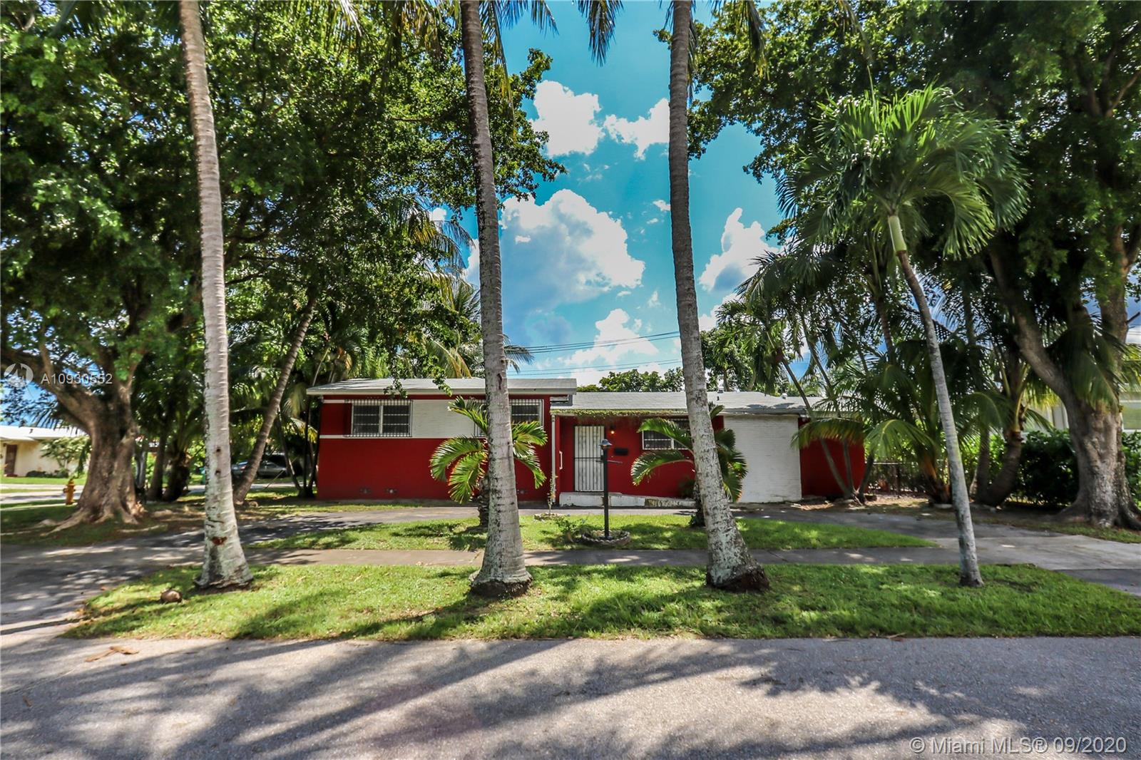 7830 SW 15th St  For Sale A10930552, FL