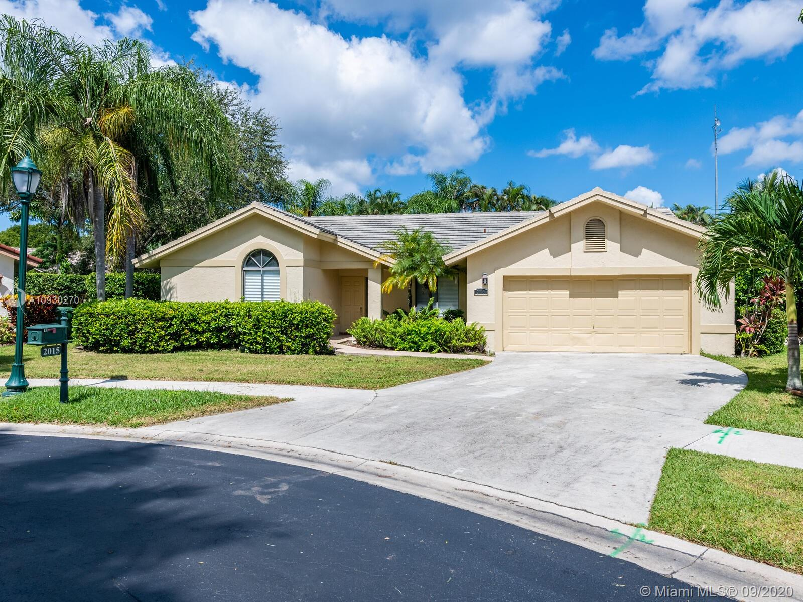 2015  Lakeshore Dr  For Sale A10930270, FL