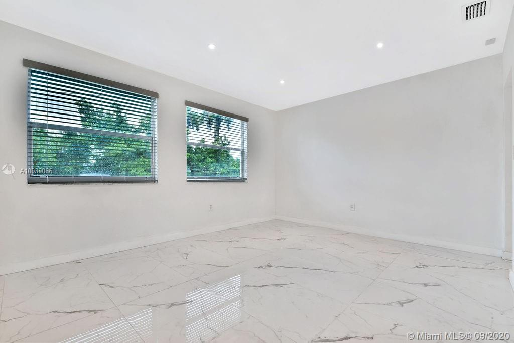 6201 SW 60th St  For Sale A10930086, FL