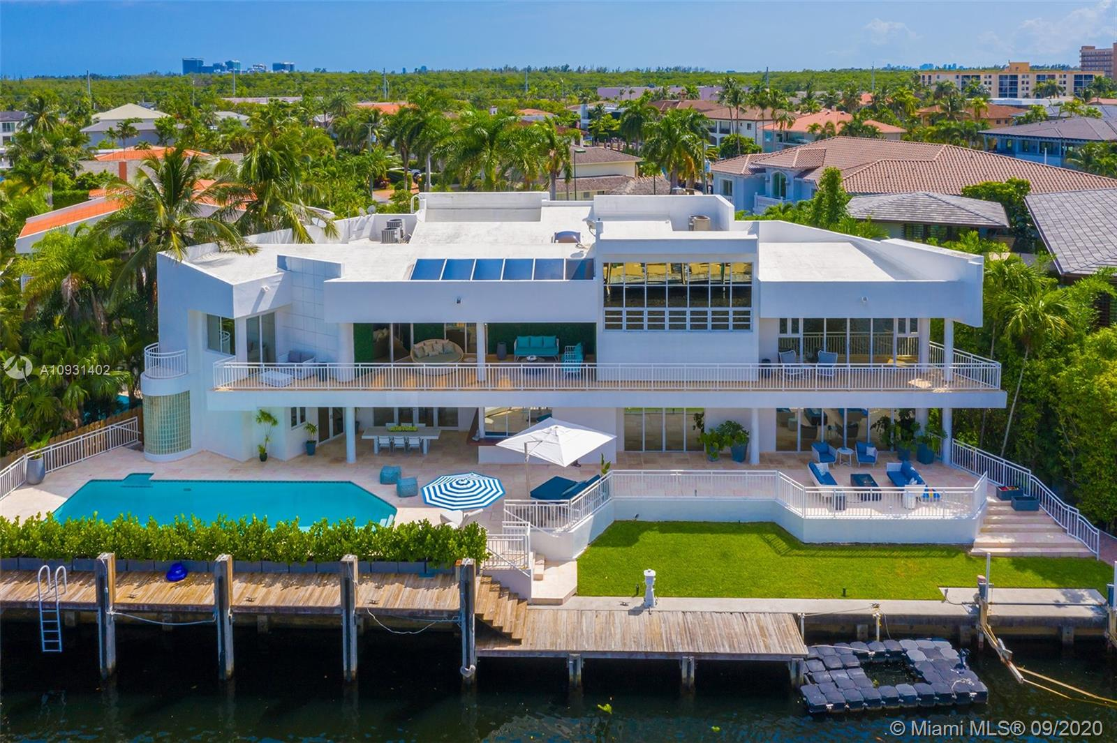 16495 NE 32nd Ave  For Sale A10931402, FL