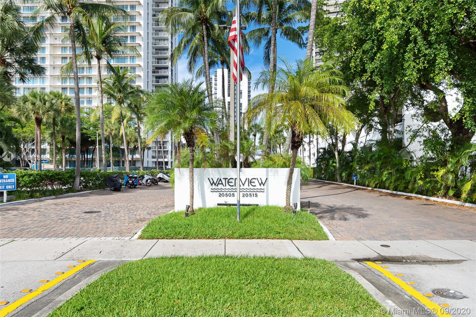 20505 E Country Club Dr #533 For Sale A10931609, FL