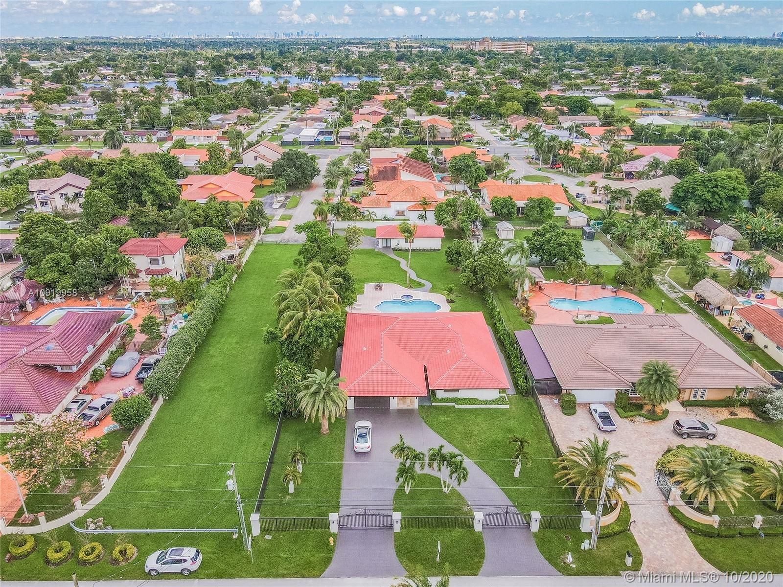 3811 SW 128th Ave  For Sale A10919958, FL
