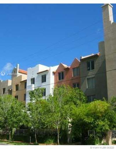 2630 SW 28th St #3 For Sale A10931899, FL