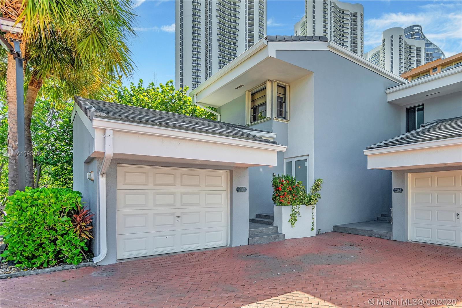 202  Poinciana Dr #102 For Sale A10931611, FL