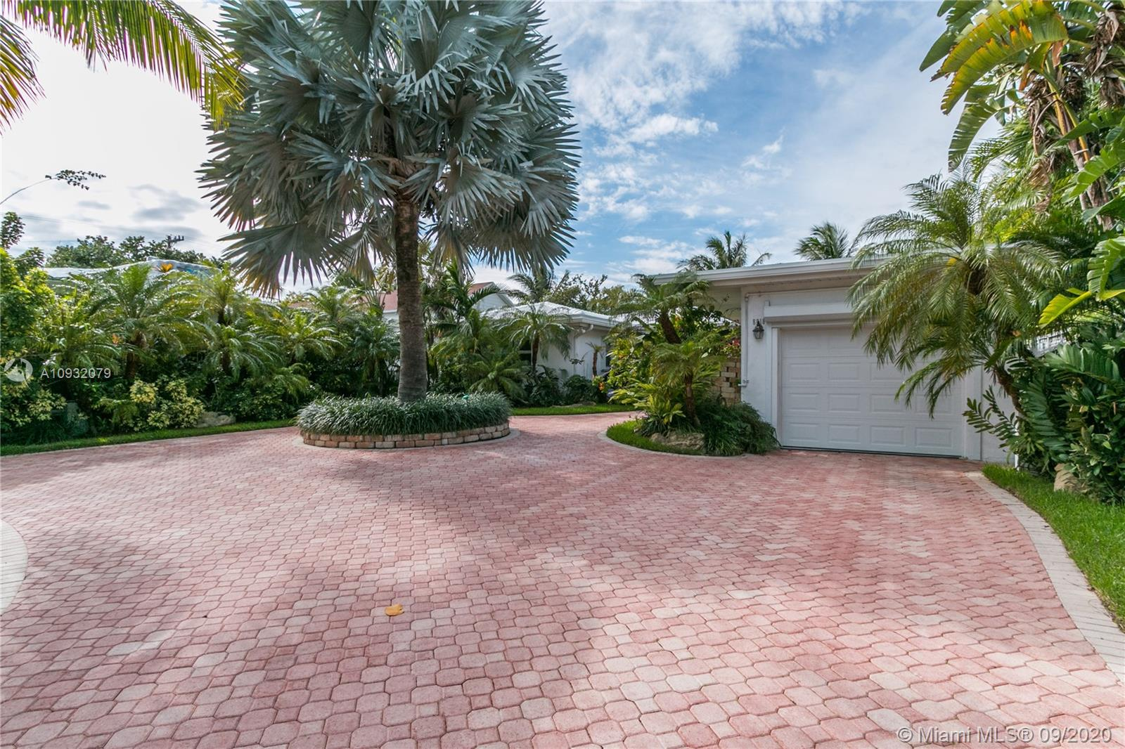 8818  Hawthorne Ave  For Sale A10932079, FL