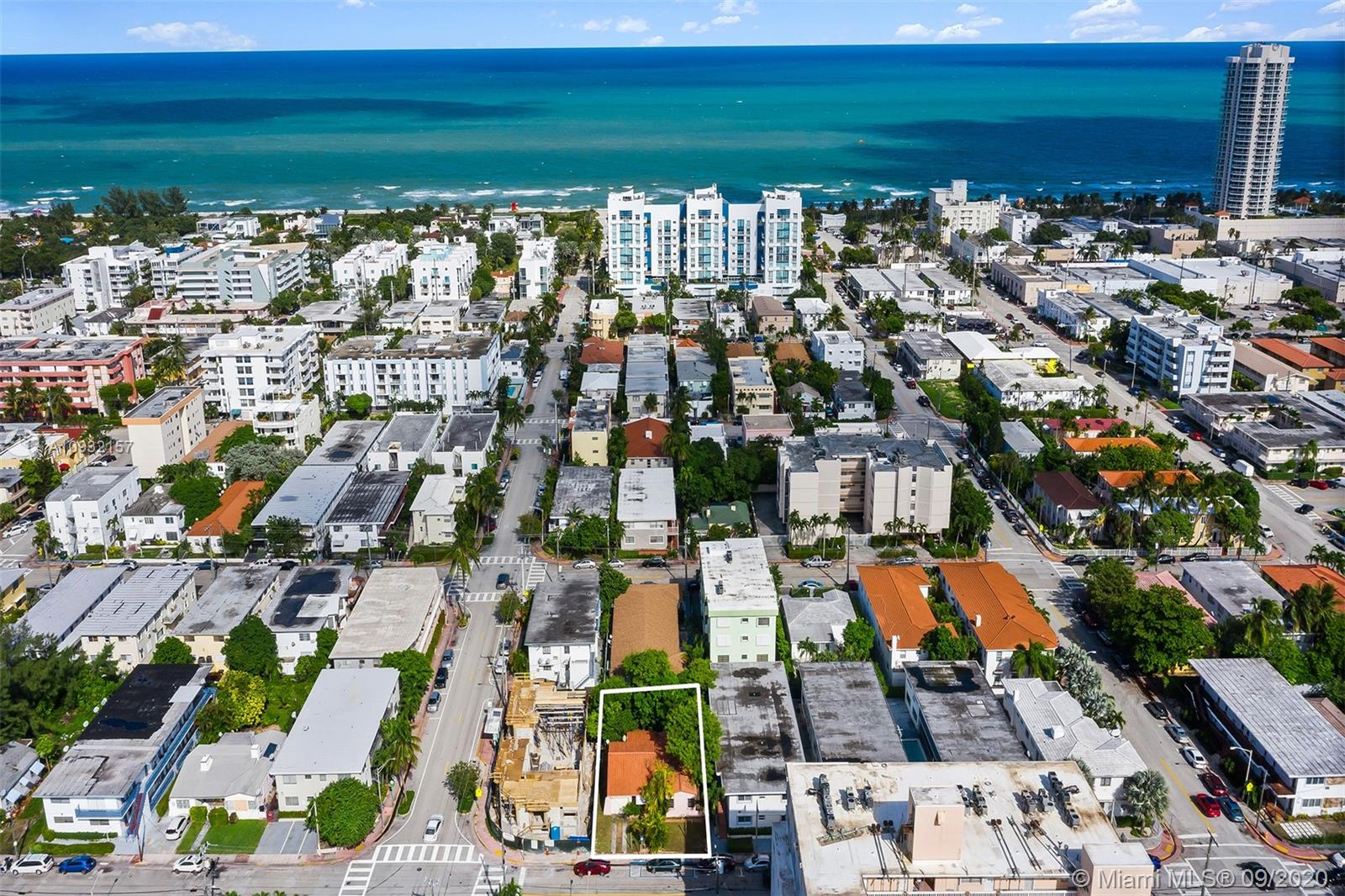 7637  Carlyle Ave  For Sale A10932157, FL