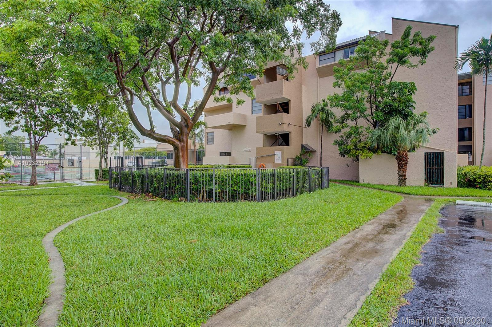 10500 SW 108th Ave #B406 For Sale A10932194, FL