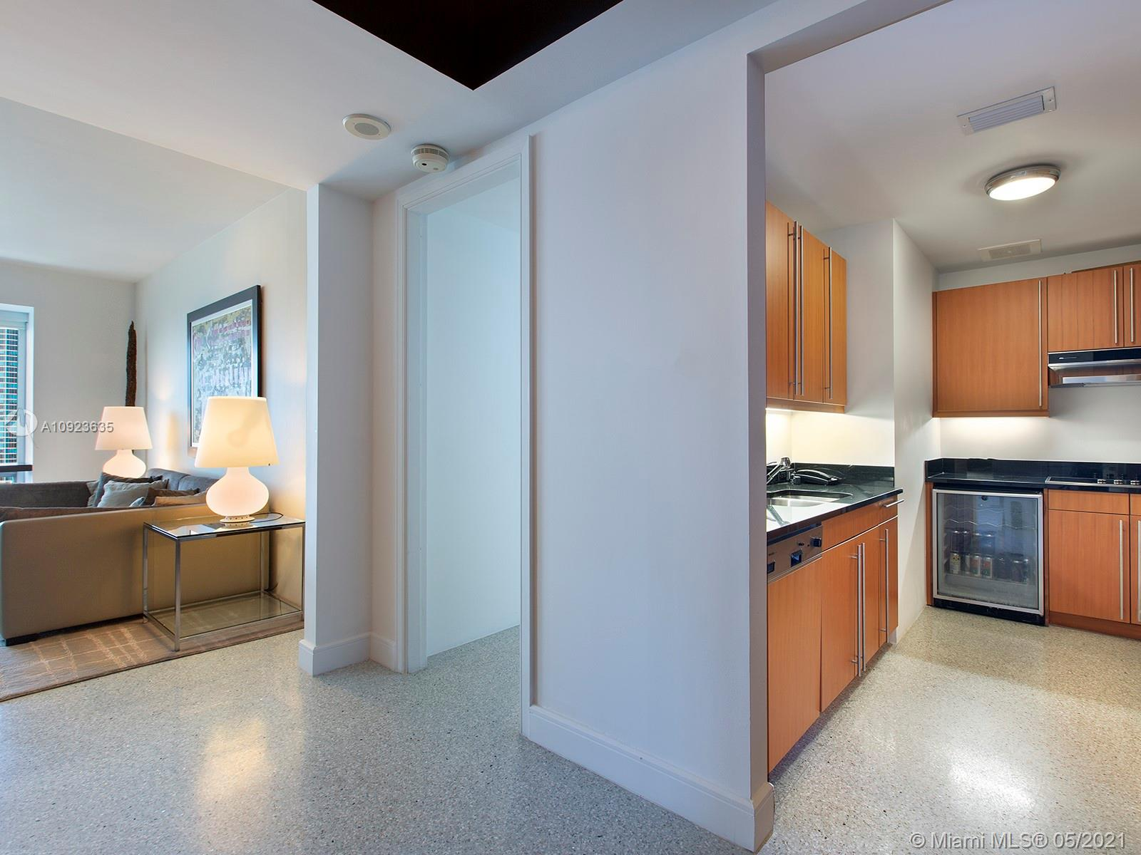 Located in downtown's refined Brickell neighborhood, this magnificent 3,154 Total SF corner unit offers exquisite open bay & city views. Conveniently situated inside the luxurious Four Seasons Hotel, this 3 BD/3.2 BA combo residence is fully furnished & adorned with high-end finishes, such as 8-foot mahogany doors, floor-to-ceiling windows, and marble and wood flooring throughout. Features include expansive living and dining areas, a gourmet kitchen equipped with Viking and Miele appliances, granite countertops, and a wine cooler. Balcony is perfect for unwinding or entertaining! Enjoy iconic tropical vibes, palm trees, and a swaying breeze in the heart of Miami's financial & cultural center.