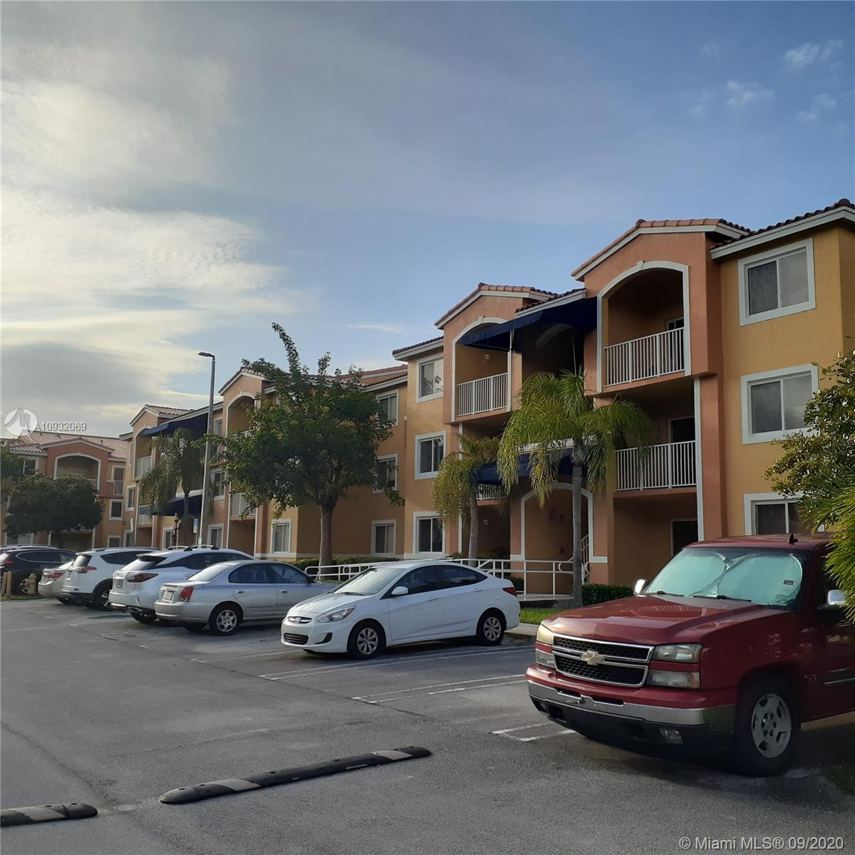 20930 SW 87 Ave #101 For Sale A10932069, FL