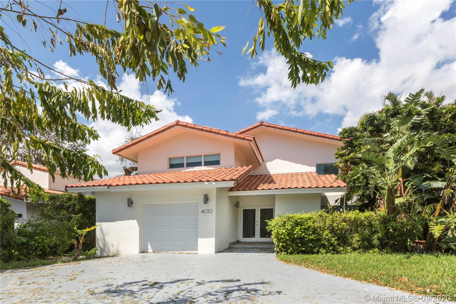 4012  Alhambra Cir  For Sale A10932339, FL