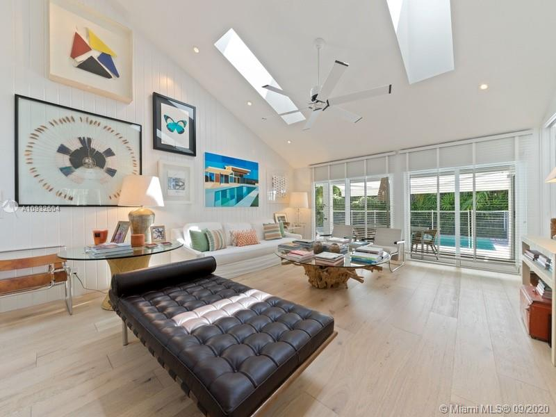 766  Curtiswood Dr  For Sale A10932604, FL