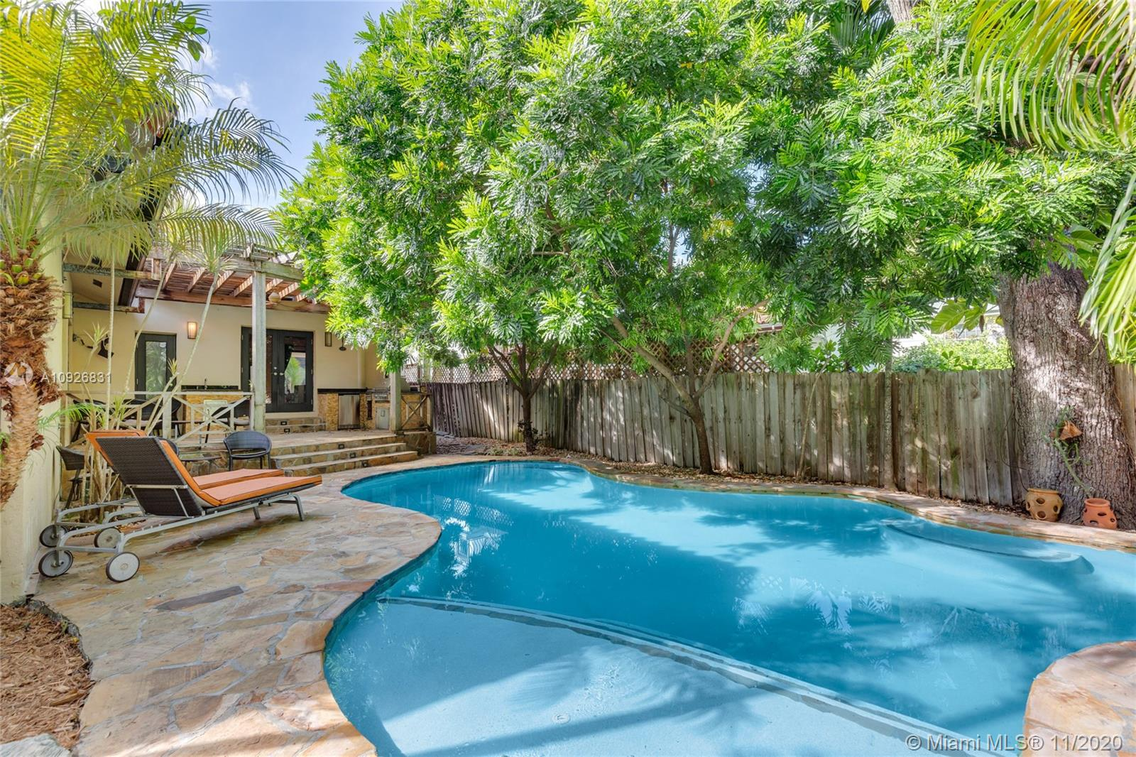 3775  Loquat Ave  For Sale A10926831, FL