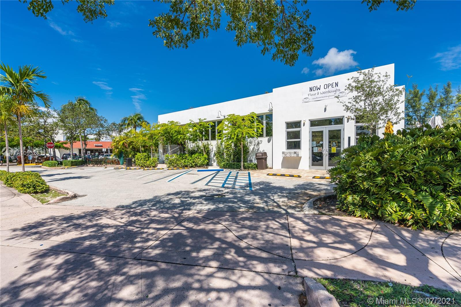 21  Harbor Dr  For Sale A10932635, FL