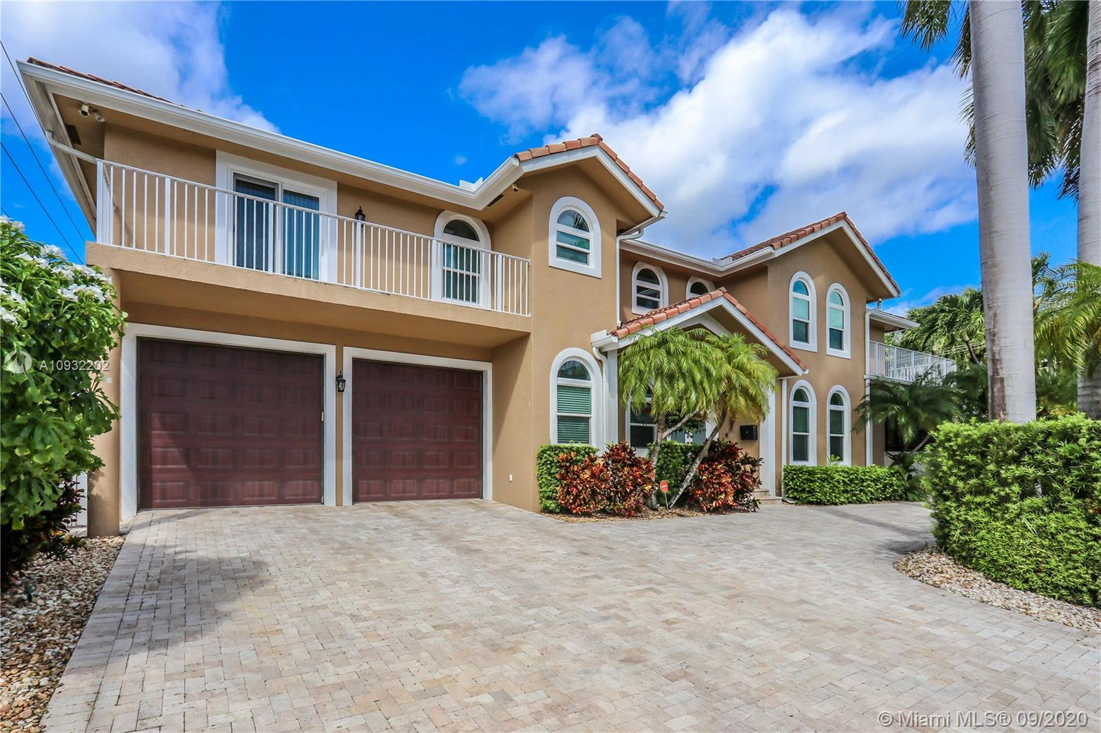 850 N 11th Ave  For Sale A10932202, FL