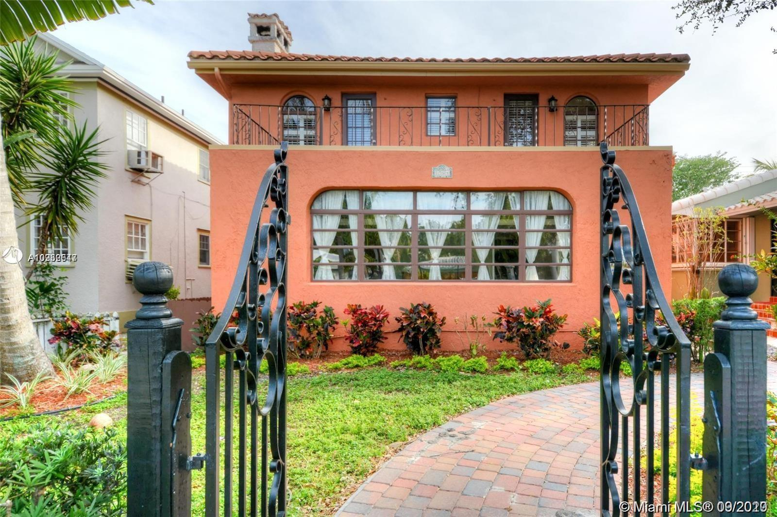 1504  Harrison St #Front For Sale A10932547, FL