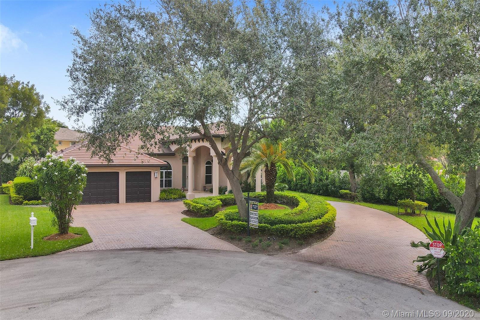 7935 SW 187th Ter  For Sale A10930336, FL